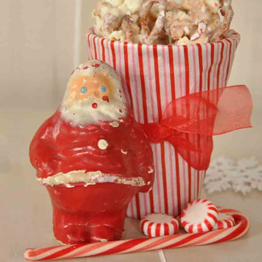Vintage Santa with candy cane and popcorn