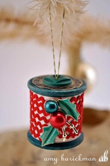 spool-ornament-post-ricrac
