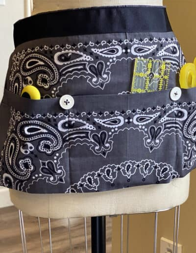 Bandana Apron. This sewing project is featured in the Bandana Course.